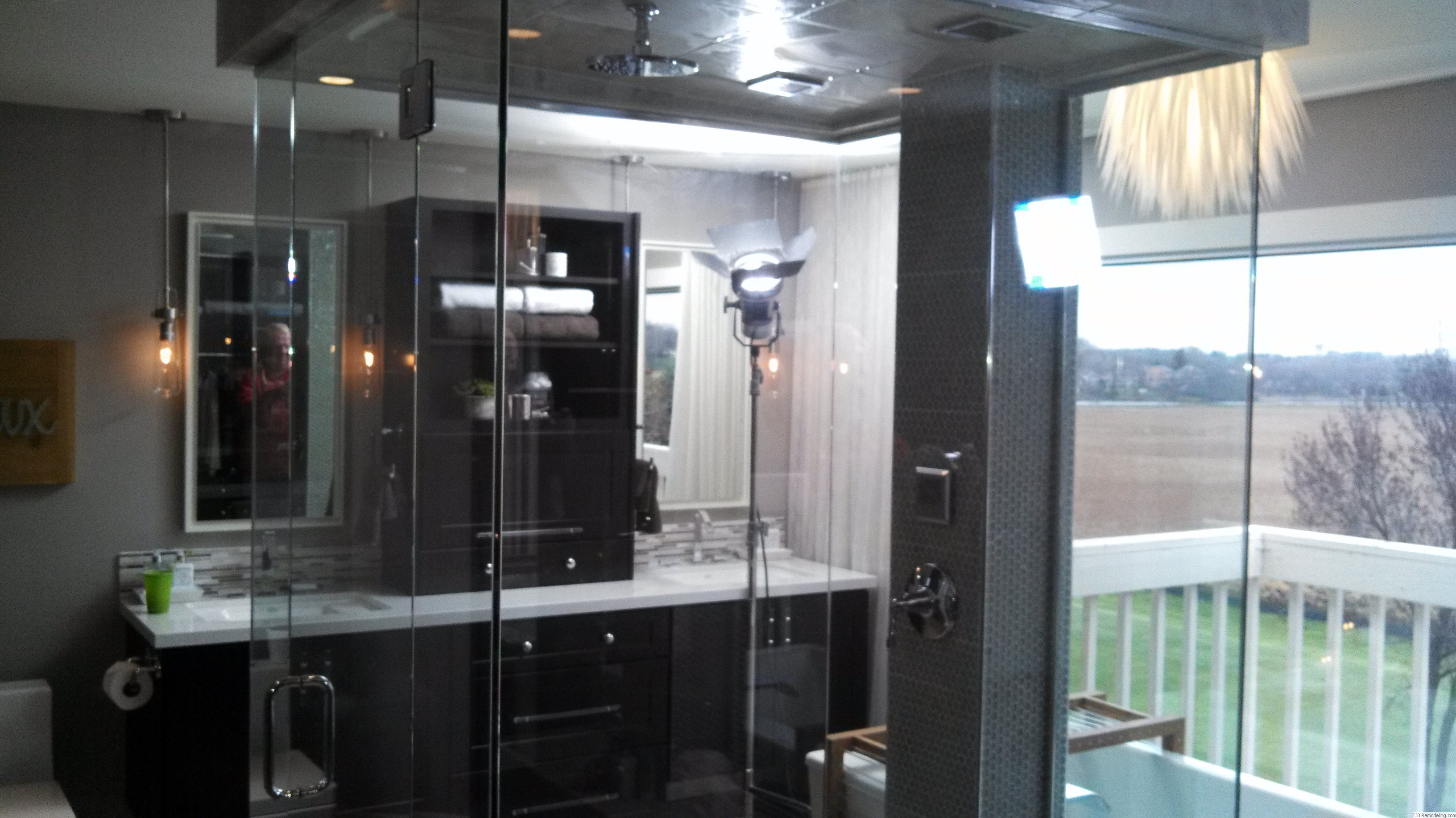 Shower is Completely Enclosed in Gass