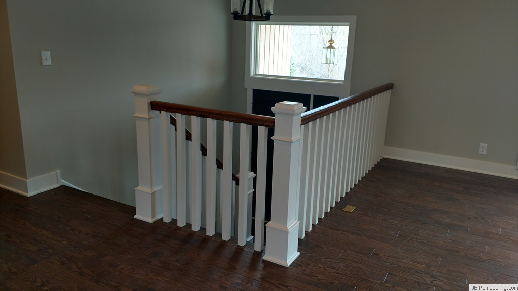 After - Entry Two-tone Oak & enamel railing